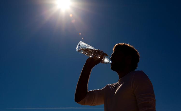 Вода на солнце