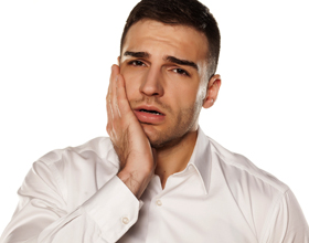 Аллергическая реакция на зубные импланты: симптомы и что делать
